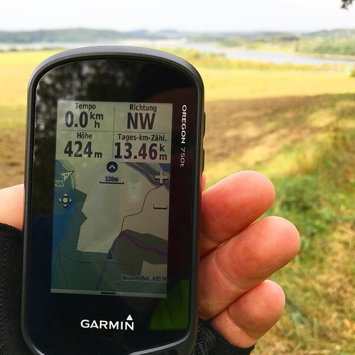 "Schon ist das Ziel in Sicht ›› 20 km Runde: ""Rundtour um das versunkene Dorf Pöhl""  #frankwandert  #running66  #Outdoor  #Hiking  #Garmin  #Oregon750t  #fēnix3  #BeatYesterday  #Plauen  #Talsperre  #Pöhl  #TalsperrePöhl"