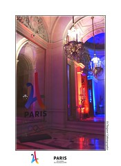 P2090719 (cowsandgirl71) Tags: panasonic paris 2024 jeux olympiques fz200 france ville couleur blue red reflet architecture