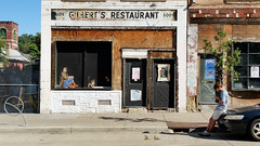 Hanging at Gilbert's (real00) Tags: williamreal willreal 2016 2010s 2000s pittsburgh pennsylvania urban city landscape urbanlandscape alleghenycounty pittsburghregion westernpennsylvania