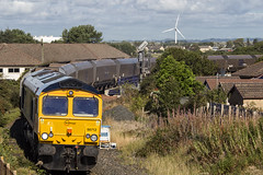 66712 4S05 (Rossco156433) Tags: barassie scotland ayrshire southayrshiretrain loco locomotive diesel engine gbrf europorte class66 shed freight gbrailfreight gm generalmotors 66712