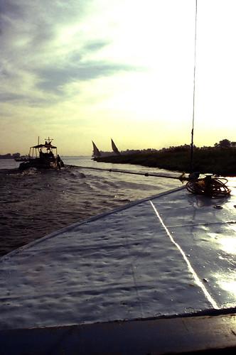 "Ägypten 1999 (488) Luxor: Felukenfahrt von Gezira el-Mozh (Banana Island) • <a style=""font-size:0.8em;"" href=""http://www.flickr.com/photos/69570948@N04/30983978165/"" target=""_blank"">View on Flickr</a>"