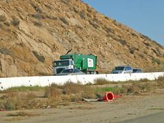 Waste Management Truck 11-10-16 (Photo Nut 2011) Tags: garbage sanitation waste wastedisposal trash refuse junk california garbagetruck trashtruck wm wastemanagement 103385