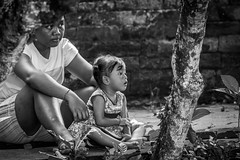 look in this eyes (Klaus Mokosch) Tags: portrait eyes bali indonesia indonesien asia asien urban mono monochrome blackwhite schwarzweiss klausmokosch hdr children