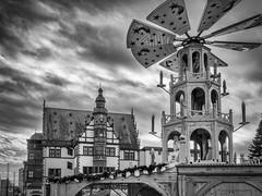 Schweinfurt (S|SCH) Tags: s|sch siegfried schmid shadow shadows bw blackanwhite olympus monochrome white blackandwhite black weihnachtsmarkt schweinfurt