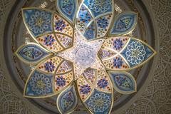 Chandelier Mosque (Robert Haandrikman) Tags: sheikh zayed grand mosque abu dhabi uae
