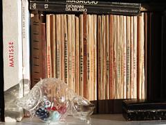old art books (ludi_ste) Tags: libri books art arte old vintage vecchi conchiglia vetro home casa