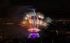 Fte Nationale Paris 14 juillet 2014 (herve_928) Tags: lights fireworks toureiffel montparnasse bastilleday feudartifice parisbynight 14july pyrotechnique guerreetpaix nikkor1685mm d5100