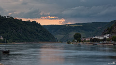 The Rhine near Sankt Goar at evening (BraCom (Bram)) Tags: trees sunset clouds canon reflections river germany deutschland evening zonsondergang bomen widescreen jetty wolken huis avond 169 rhine rhein rijn duitsland rheinlandpfalz hous rivier steiger spiegeling coth rhinelandpalatinate sanktgoar canonef24105mm coth5 bracom canoneos5dmkiii bramvanbroekhoven
