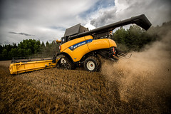 Harvest Season - 33/52 (Klaus Rathke) Tags: new holland field project close view dynamic action grain harvest machinery 28 machines framing agriculture tilt harvester 52 d800 oem 1424 view52 52weeksofphotography