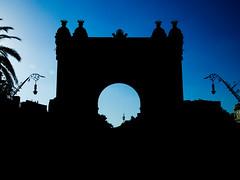 (VctorGarca98) Tags: barcelona espaa del spain puerta bcn triunfo spaon