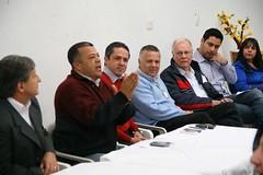 Deputado Estevam Galvão se reúne com lideranças em Itaquá