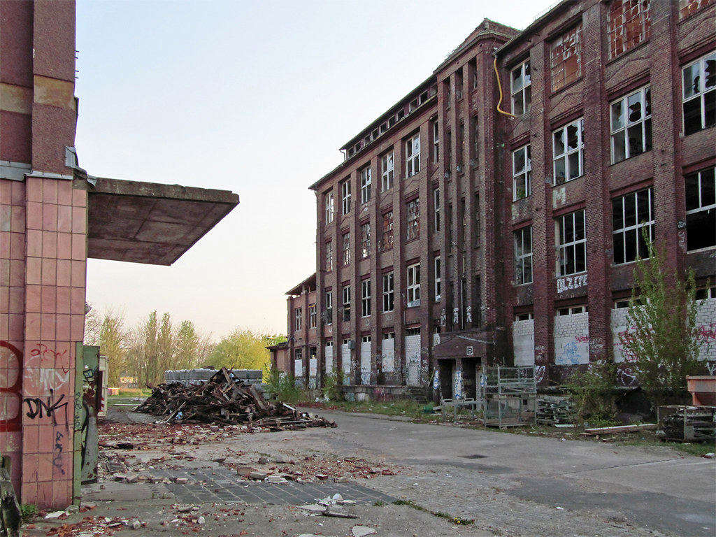 The World's most recently posted photos of industrie and klinker Flickr Hive Mind