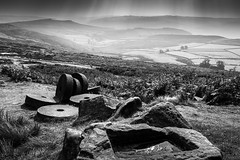 Stanage Edge Millstones - Black and White - Mono - Chris Smith (capturedcanvas.co.uk) Tags: white black monochrome canon captured canvas edge stanage 1740l millstones 450d