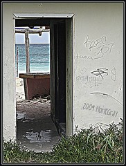 3218919981_4cab32e2f6_o (gray.florie) Tags: abandoned beach mexico yucatan tulum caribbean allrightsreserved xpuha usewithoutpermissionisillegal 2009florencetomasulogray floriegrayfloriegrayflorencetomasulograytomasuloflorie junglefloriegraycom