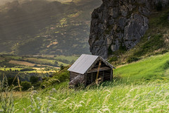 The Countryside Cabin (Fran4Life) Tags: mountain green grass countryside nikon cloudy country downhill sunbeam spreading d7100