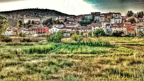 """Salinas del Manzano: Vista desde cerca del puente de los chopos • <a style=""""font-size:0.8em;"""" href=""""http://www.flickr.com/photos/26679841@N00/15089163581/"""" target=""""_blank"""">View on Flickr</a>"""
