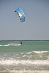 Saint-Malo - atana studio (Anthony SJOURN) Tags: kite beach studio surf bretagne anthony cote vague enfant voile plage banc saintmalo planche lames roulettes corsaire surcouf brise atana remblais sjourn