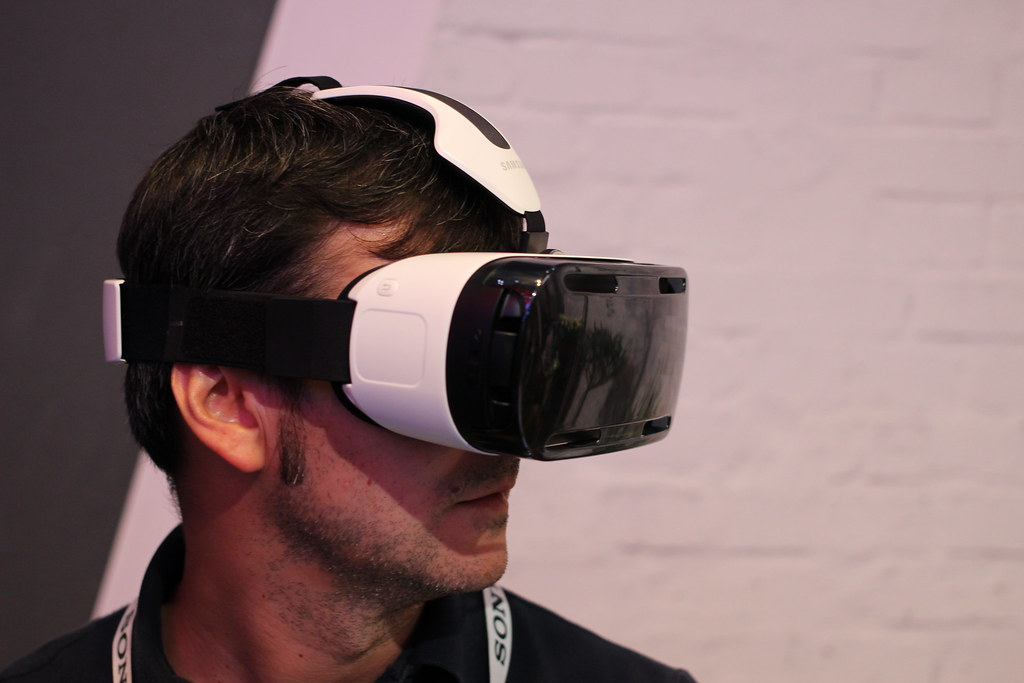 9ae14aef52bf Samsung Gear VR (pestoverde) Tags  samsung virtualreality oculus ifa  oculusrift headmountdisplay oculusvr galaxynote4