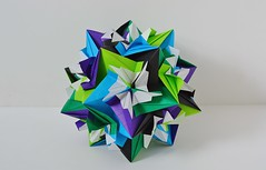 Thessalonia Kusudama (Byriah Loper) (Byriah Loper) Tags: paper origami polygon paperfolding polyhedron modularorigami pentagonal byriahloper