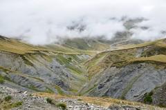 Au coeur de la montagne (Mystycat =^..^=) Tags: hautespyrnes montagne nuages brouillard brume parcnationaldespyrnes midipyrnes france