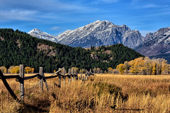 TOUCHED BY HEAVEN (Aspenbreeze) Tags: colorado sanjuanmountains mountains landscape mountainscape fence autumn country rural snowpeaks snowypeaks woodfence countryside nature outdoors bevzuerlein aspenbreeze moonandbackphotography