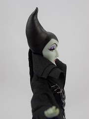 Aurora and Maleficent Doll Set - Disney Fairytale Designer Collection - Maleficent Deboxed - Standing - Midrange Left Side View (drj1828) Tags: us disneystore dfdc heroesandvillains disneyfairytaledesignercollection 2016 purchase sleepingbeauty maleficent 12inch limitededition le6000 deboxed