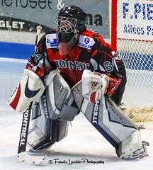 Guillaume DROUOT (Anglet Hormadi) - 091205-017 (Patxi64) Tags: 0910 2009 20091205 anglet anglethormadi doyle drouot eishockey franced2 guillaumedrouot hockey hockeysurglace hokej hormadi icehockey ijshockey ishockey jkiekko patinoiredelabarre sport france