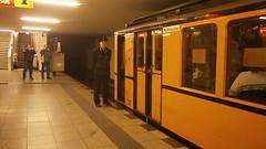 Premiere B2 auf U9 - 22 (Berliner U-Bahn) Tags: ubahnhof sonderfahrt b2 b2sonderfahrt u9 berlinerubahn ubahn untergrundbahn ubahntunnel gleisanlagen agubahn leopoldplatz schlosstrase turmstrase berlinerstrase zoologischergarten rathaussteglitz westhafen bvg berlin deutschland germany underground specialtour station tracks