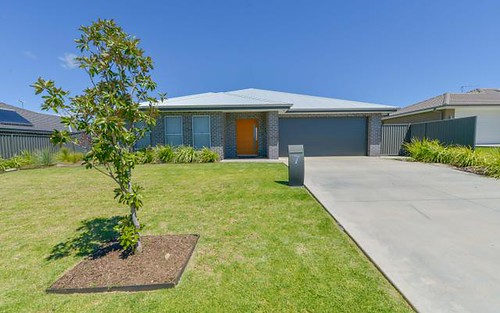 7 Grand Meadows Drive, Tamworth NSW 2340
