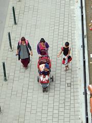Strolling among women (Antropoturista) Tags: belgium bruxelles brussels brüssel molenbeek family women motherhood street people