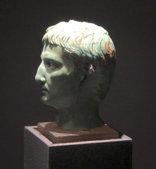 IMG_6123 (jaglazier) Tags: 1stcentury 1stcenturyad 2016 27bc14ad 5 5ad 63bc14ad adults augustus cologne copyright2016jamesaglazier crafts emperors gaiusjuliuscaesaroctavianusaugustus germany glass heads imperial julioclaudian kings koln köln men museums octavian portraits primaporta roman romangermanicmuseum römischgermanischesmuseum september turquoise archaeology art figurines royal sculpture