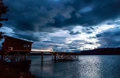 Night at Te Anau lake (Andrs Guerrero) Tags: anochecer fiordland lago lagoteanau lake newzealand nuevazelanda oceana sunset teanau teanaulake atardecer noche revelar southland nz night blue nubes clouds cloudy dark oscuro airelibre
