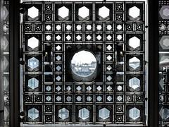 Les moucharabiehs de l'I.M.A, Paris (klingp (instagram)) Tags: ima arabe diaphragme facade institut monde moucharabieh paris îledefrance france