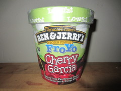 Ben & Jerry's FroYo Cherry Garcia (Like_the_Grand_Canyon) Tags: summer usa ice june america us still md sommer united cream maryland baltimore creme topf states northern pint amerika eis 2014