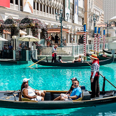 American Dream: Venice (latigi) Tags: venice usa gambling ride lasvegas nevada fake casino gondola venetian americandream gondoliere