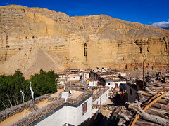 Chele rooftops (whitworth images) Tags: wood old nepal houses homes white yellow rural buildings town ancient asia village rooftops traditional nobody nopeople cliffs tibetan mustang himalaya firewood chele restrictedarea uppermustang annapurnaconservationarea