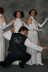 SDCC 2007 1580 (Photography by J Krolak) Tags: starwars costume cosplay princessleia masquerade hansolo sdcc sandiegocomiccon sandiegocomiccon2007 sdcc2007