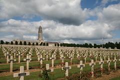 Le cimetire de Douaumont (France). (grandmont.jeanpol) Tags: france cemetery worldwari verdun 19141918 douaumontcemetery cimetirededouaumont
