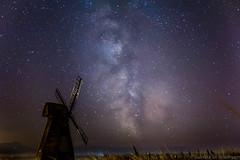 IMG_7717.jpg (Sumitra_S) Tags: windmill grass stars sussex astrophotography nightsky milkyway rottingdean starryskies
