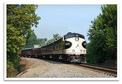 Sixth Street (bogray) Tags: classic train vintage ky historic restored locomotive preserved shelbyville norfolksouthern emd funit dieselelectric f9a ns4271