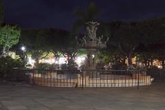 Fuente del Amor (Zeros86) Tags: sunset landscape nikon bonito colonial fuente lindo granada nicaragua nikond3200 lacalzada d3200 latinomerica callelacalzada lacalzadastreet octaviojoselezcanohernandez zeros86 zeros86photography
