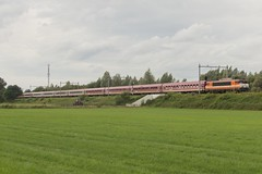 Locon 9908 met Szigettrein (Dennis te D) Tags: festival de utrecht euro lutte express sziget öbb trein hongarije 9908 locon