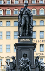 Tour de Germany (Edi Bhler) Tags: building facade dresden skulptur structure bauwerk gebude fassade deutschlandgermany 2470mmf28 nikond800