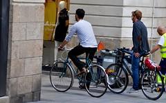 DSC_0152 (clotilde.imbert) Tags: cyclists vélo cyclechic