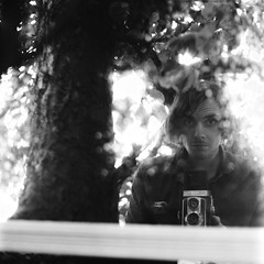 bez tytuu (Kamil Cicho) Tags: summer portrait bw 6x6 film analog movie photography mirror day fotograf photographer natur free poland polska natura medium format 100 12 kamil autoportret lustro lato autoportraits fomapan welta portraitself weltaflex cicho wolne rainself parzynw autoportretw