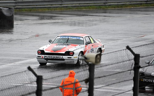 Powerbell XJ-s moving to the start grid
