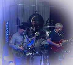 Necronomicon. (Günter Hentschel) Tags: necronomicon band musiker musik music konzert personen menschen people deutschland germany germania alemania allemagne europa nrw nikon nikond5500 d5500 indoor flickr hentschel günter blau bass bassgitarre schlagzeug gitarre egitarre