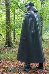 5DA07458_Gummimantel_gruen_kl (helani44) Tags: gummimantel gummistielel outdoor gummicape gummhandschuhe regenmantel gummihut regenhut
