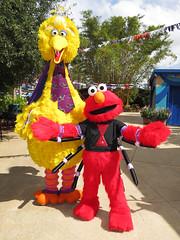 Big Bird and Elmo (meeko_) Tags: big bird bigbird elmo monster muppet characters buschgardenscharacters muppetcharacters sesamestreet sesamestreetsafarioffun halloween busch gardens tampa africa buschgardens buschgardenstampa buschgardenstampabay buschgardensafrica themepark florida