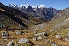 Val d'Aosta - Valsavarenche: vallone di Levionaz, purtroppo si deve scendere.. (mariagraziaschiapparelli) Tags: valdaosta valsavarenche montagna mountain escursionismo camminata pngp parconazionaledelgranparadiso levionaz casolaridilevionaz autunno allegrisinasceosidiventa